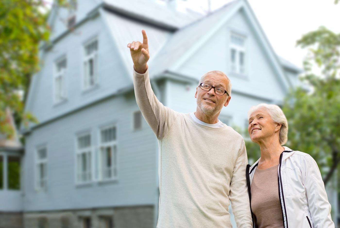 Immobilie im Alter: Verkaufen oder vermieten?