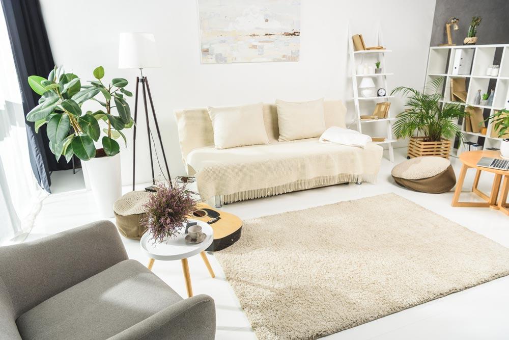 Immobilie verkaufen ohne auszuziehen: Wohnrecht oder Nießbrauch